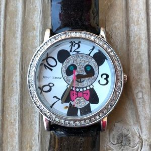 🎁 Iconic Betsey Johnson Crystal Panda Watch!